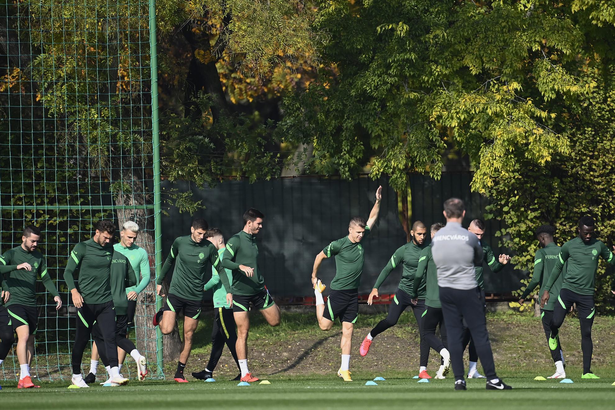 A Ferencváros labdarúgói edzenek a Dinamo Kijev elleni Bajnokok Ligája-csoportmérkőzés előtti napon Budapesten, az FTC-MVM Sportközpontban 2020. október 27-én