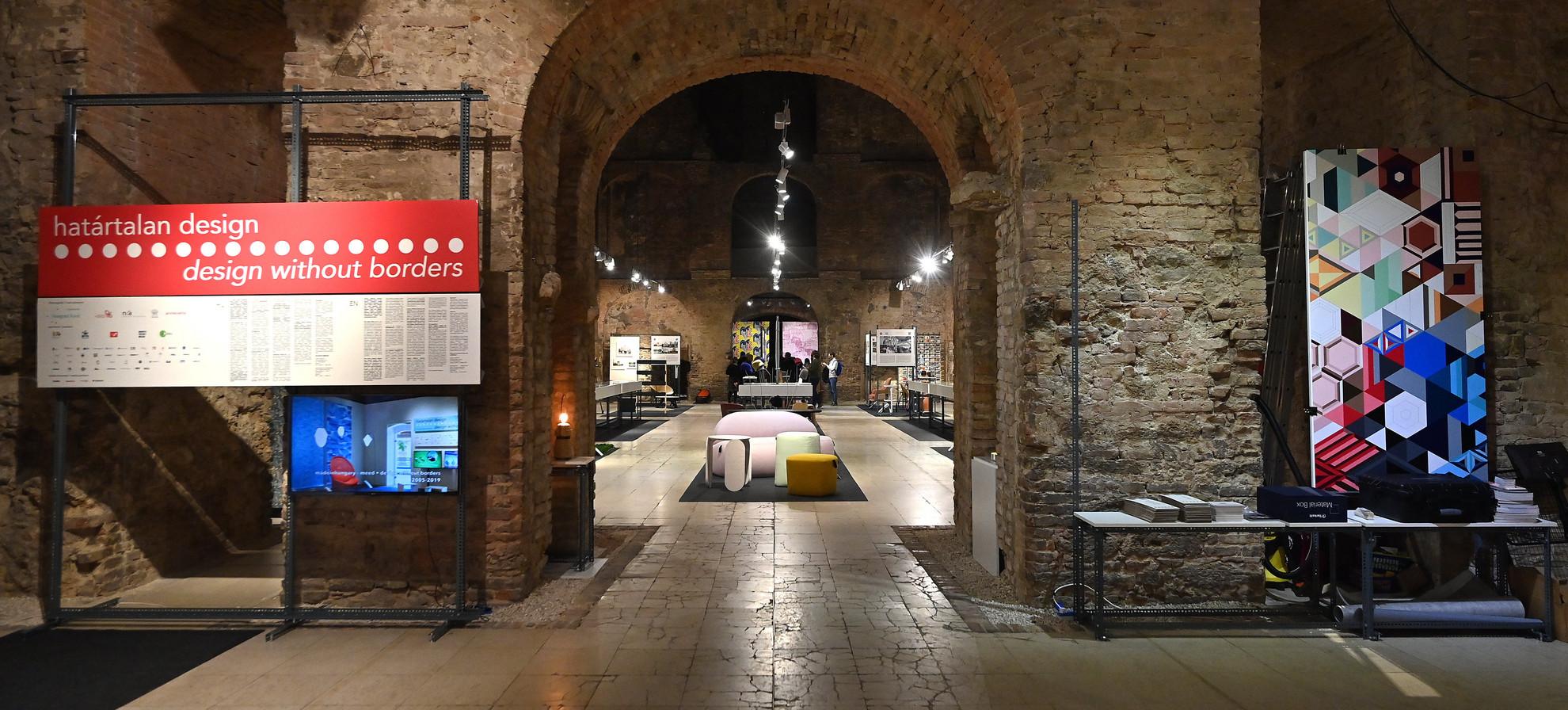 A Határtalan design című kiállítás Budapesten, a Kiscelli Múzeumban 2020. október 7-én. A tárlat október 10-től november 15-ig látogatható