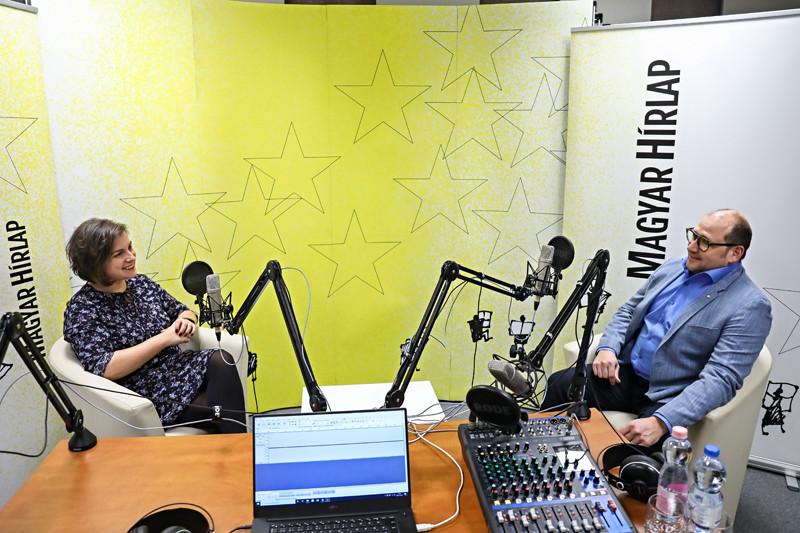 Lapunk főmunkatársa, Őry Mariann és Tallai Gábor, a Terror Háza Múzeum programigazgatója a Faktum adásának felvételén