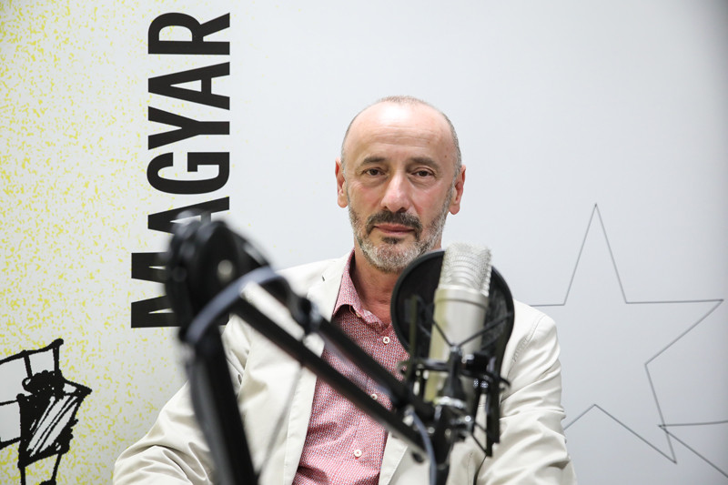 Horváth József, az Alapjogokért Központ biztonságpolitikai tanácsadója a Magyar Hírlap Faktum című podcastjának felvételén