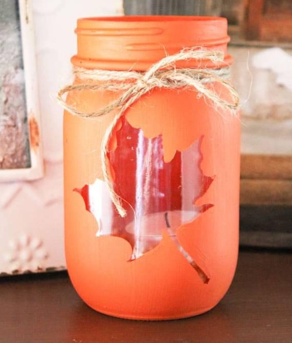 Szép és különleges dísz az áttört mintás befőttes üvegből készült mécsestartó