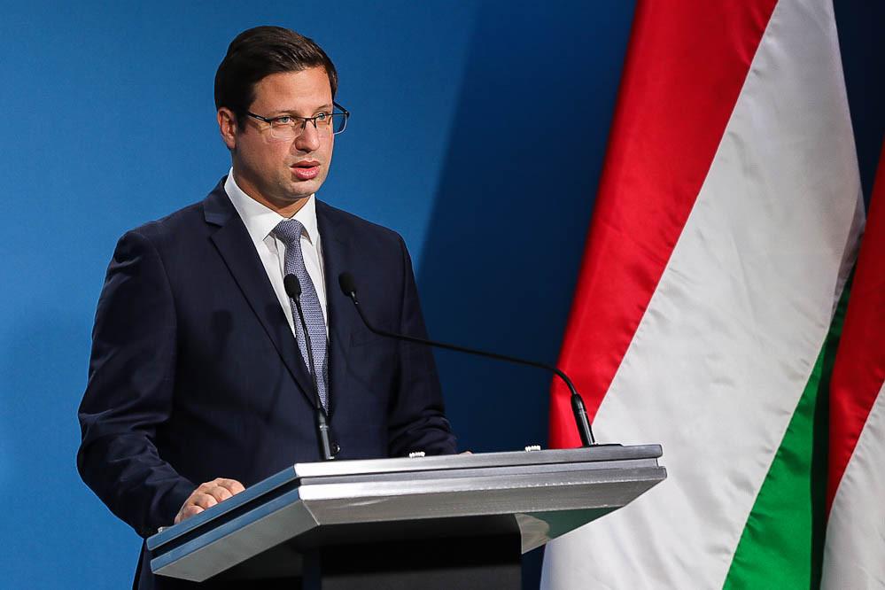 Gulyás Gergely köszönetet mondott a nemzeti konzultáció kitöltéséért