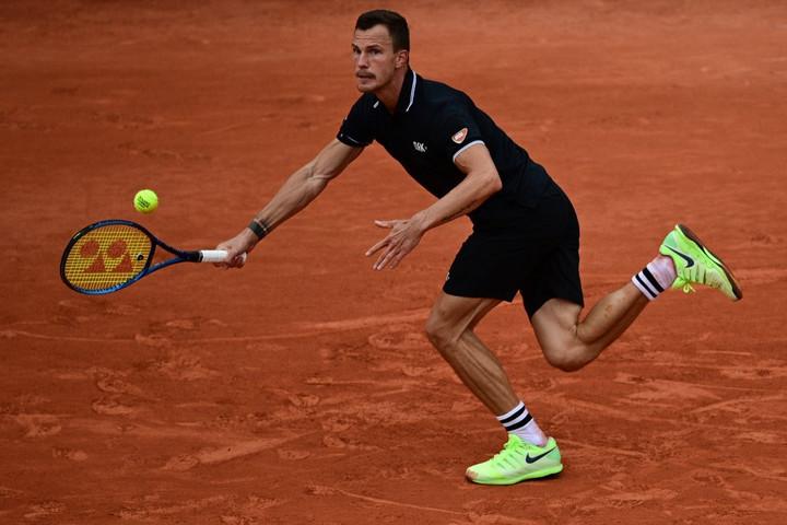 Fucsovics nagy csatában esett ki a Roland Garrosról