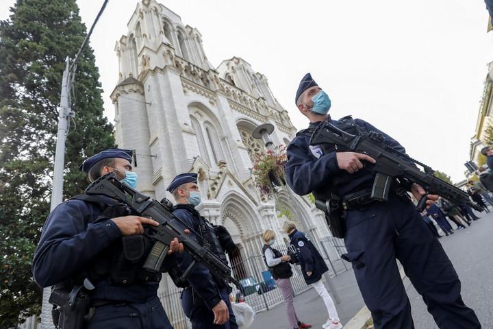 További támadásoktól tart a francia belügyminiszter