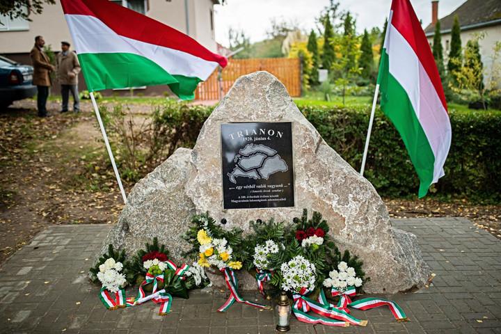 A magyar nemzet tagjai összetartoznak, éljenek bármely pontján is a világnak