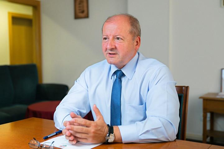 Simicskó István: A kormány nem fog engedni a zsarolásnak