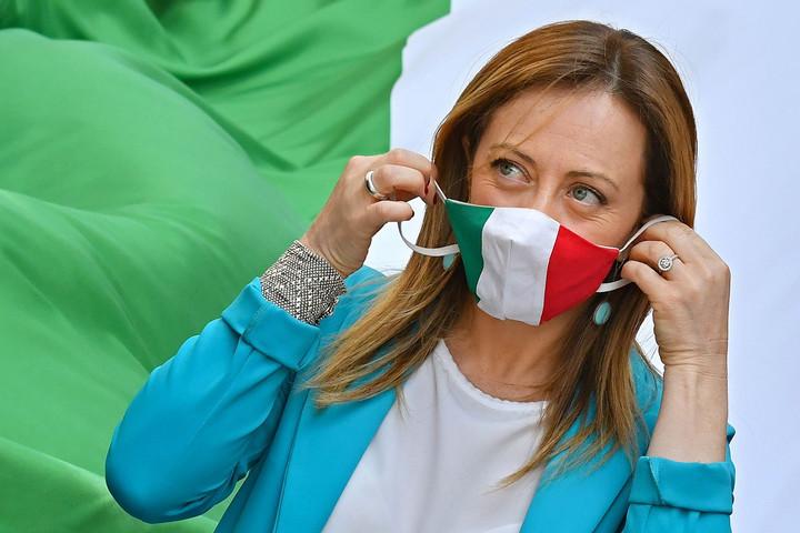 Továbbra is a migránsok mellett az olasz kormány