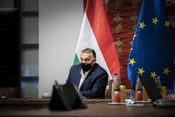 V4-csúcson és az Európai Tanács ülésén vett részt Orbán Viktor