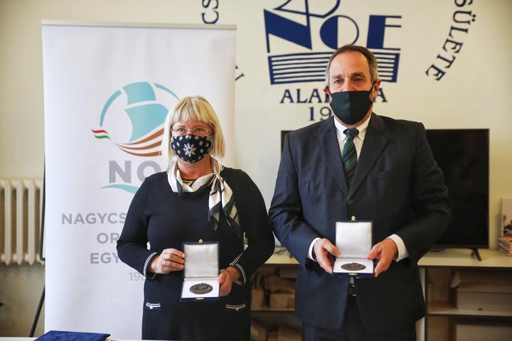 Gál Kinga és Hölvényi György is megkapta a NOE-díjat