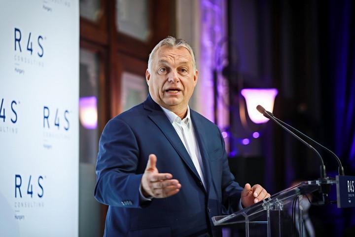Orbán: Itt van a dinamika, itt van a jövő, itt van a növekedés