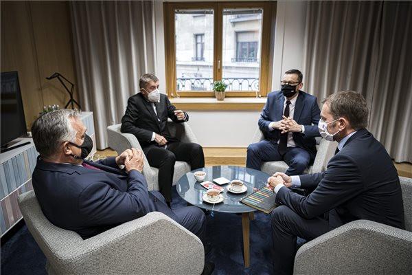 Megkezdődött az Európai Tanács rendkívüli ülése
