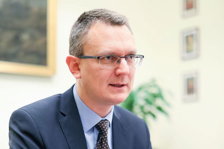 Rétvári: A kormány számára nagyon fontos a gyermekek egészségének megóvása