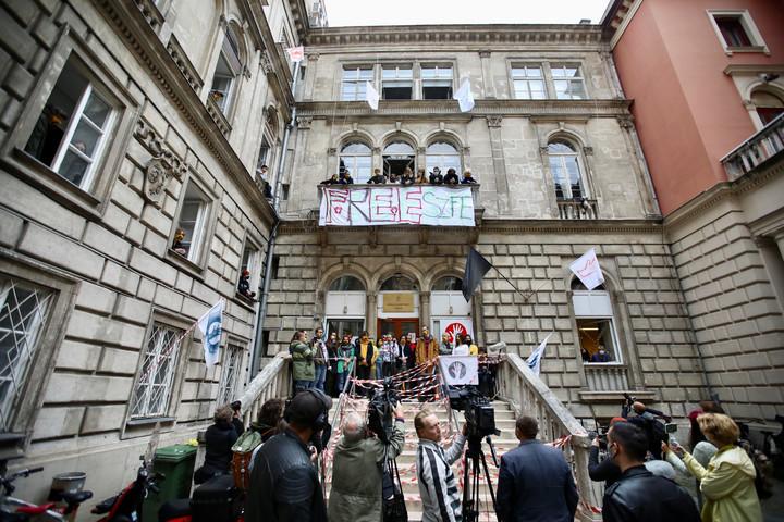 Jogellenesnek találta az SZFE dolgozóinak sztrájkját a Fővárosi Törvényszék