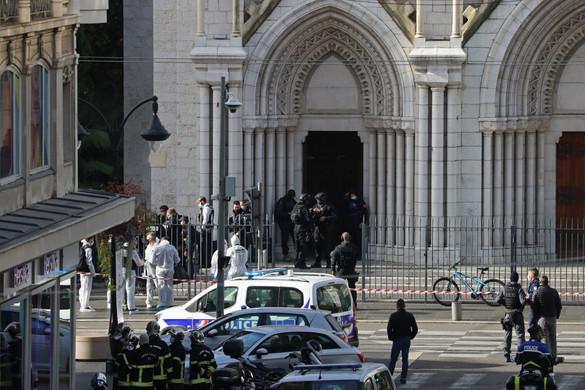 Terrortámadás Nizzában: három embert meggyilkoltak