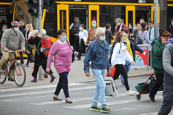 Kilencszázötvennel nőtt a fertőzöttek száma Magyarországon