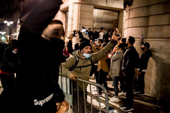 Erőszakos tüntetések Spanyolországban a korlátozások miatt