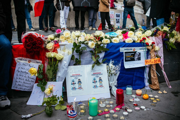 Újabb rendőri akciók a francia tanárgyilkosság ügyében