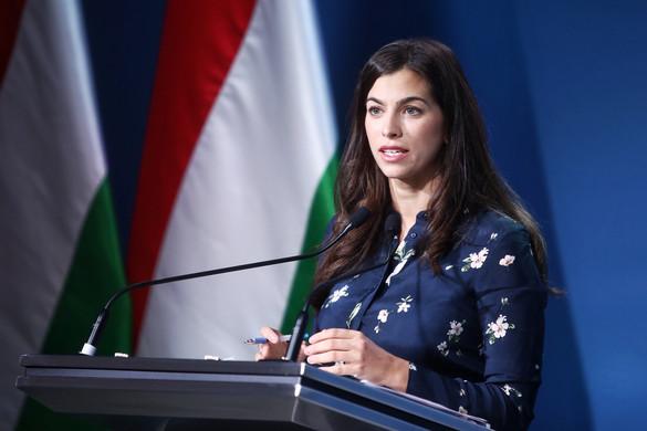 """""""A fiatal, zeneszerető közönséghez fognak világszerte eljutni a Magyarországot bemutató képek"""""""