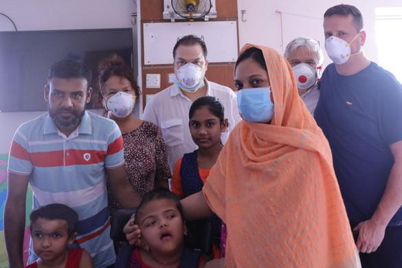 Elvégezték a koponyarekonstrukciós műtétet a magyar orvosok a szétválasztott bangladesi ikrek egyikén