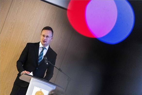 Szijjártó Péter megnyitotta Magyarország genfi konzulátusát