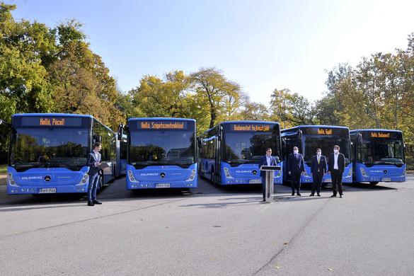 Hatvan új autóbusz áll forgalomba a budapesti és elővárosi közlekedésben