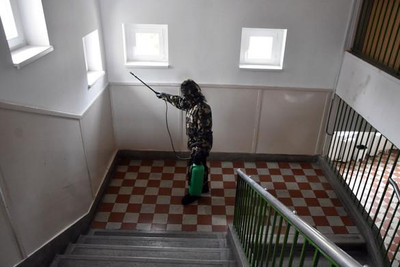 Zajlanak az iskolákban a fertőtlenítő nagytakarítások