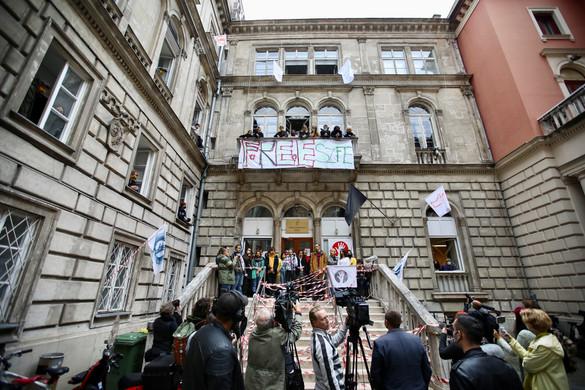 Nyolcpontos megegyezési javaslatot tett a Színház- és Filmművészeti Egyetem új vezetése