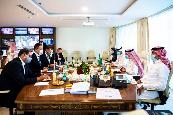 """""""Komoly lehetőségeket kínál a magyar cégeknek az új szaúdi gazdasági stratégia"""""""
