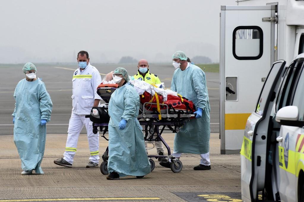 A németországi Münsterbe szállítanak egy francia koronavírusos beteget