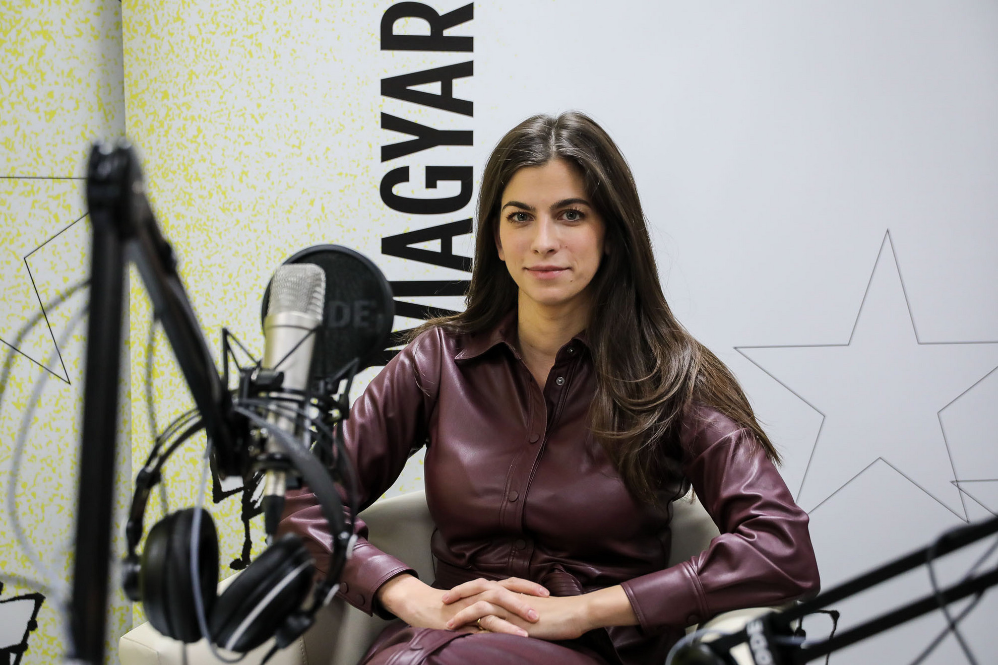 Szentkirályi Alexandra kormányszóvivő a Magyar Hírlap Faktum című podcastjának felvételén