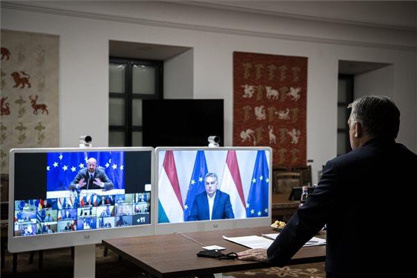 Orbán Viktor miniszterelnök az európai uniós tagországok állam-, illetve kormányfőinek videokonferenciáján