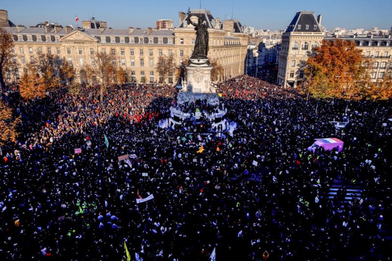 A rendőri erőszak ellen és a sajtószabadságért tüntettek
