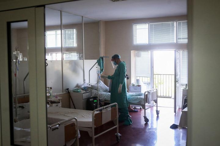 Megduplázódott a kórházban ápolt koronavírusos betegek száma Szerbiában