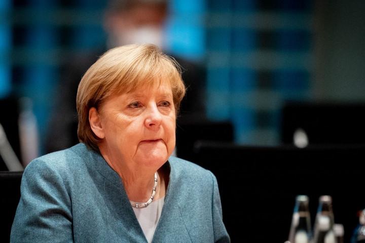 Merkel: Tisztázni kell a beavatkozás fogalmát a nemzetközi kapcsolatokban