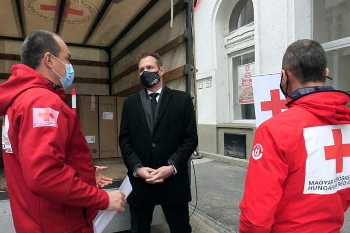 Orvosi eszközökkel támogatja az egészségügyet az olimpiai bizottság