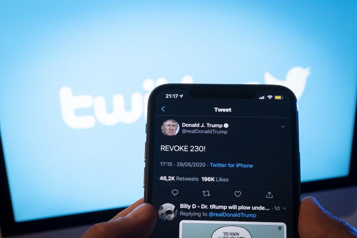 A Twitter vezetője elismerte a Bidenre és fiára vonatkozó hírek letiltását