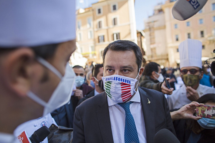 Felpörgetnék a válságkezelést Salviniék