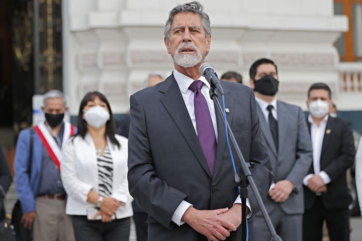 Perunak már a harmadik elnöke van egy hét alatt