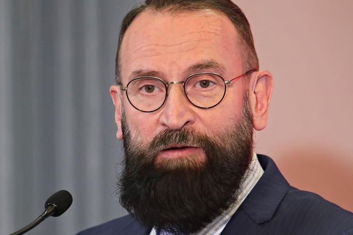 Szájer megkövette családját és választóit