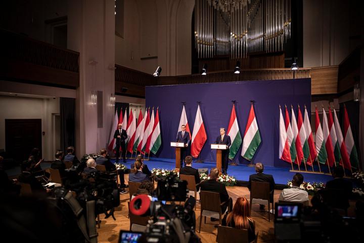 Varsó kész elállni a vétótól, ha az unió vezetői elfogadnak egy magyarázó nyilatkozatot