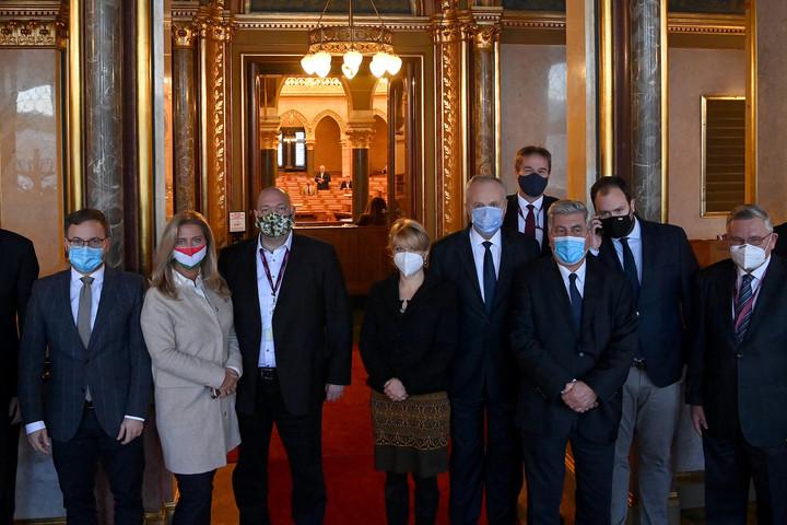 Kivonult a Fidesz-KDNP frakciója Korózs beszéde alatt