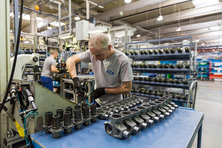 A magyar gazdaság szerkezete stabil foglalkoztatás szempontjából