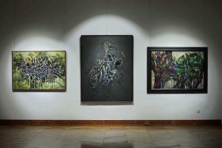 Hantaï Simon pályaíve tizenöt festményén elbeszélve