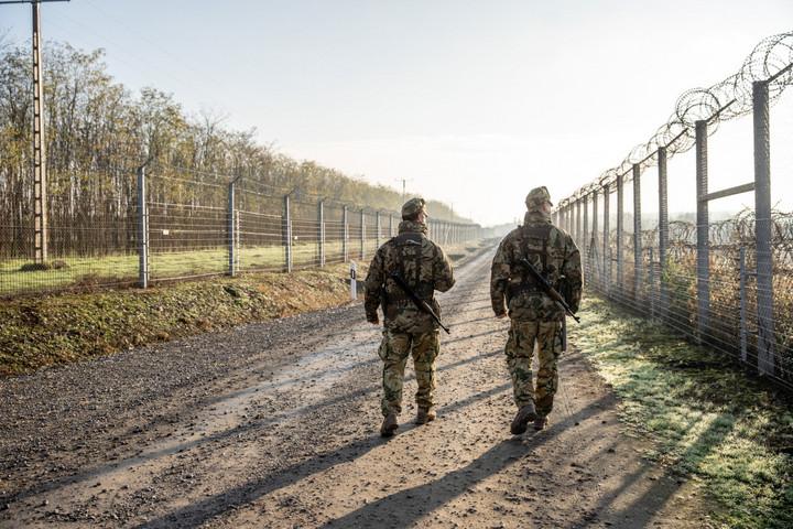 Magyarország nem azért épített kerítést, hogy elszigetelődjön