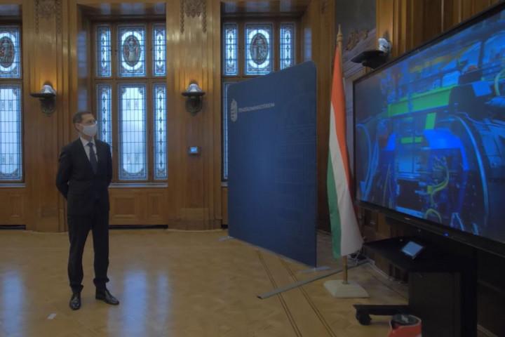Ötmilliárd forintos beruházással fejlesztette gyárait a Jász-Plasztik