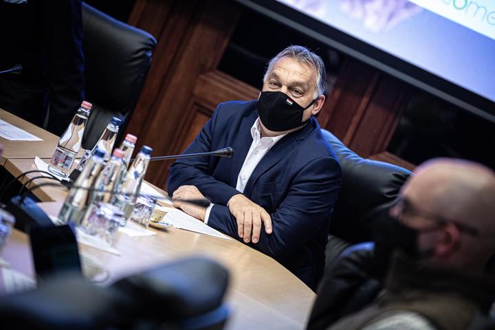 Orbán Viktor ismét az operatív törzs ülésén kezdte a hetet