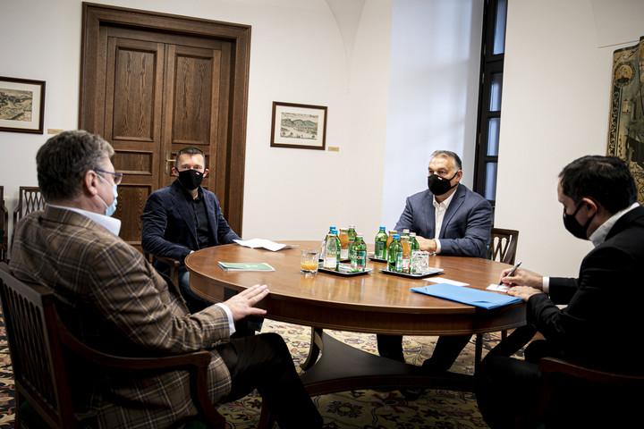 Orbán Viktor a gazdasági kamara elnökével tárgyalt