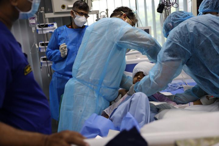 Jó állapotban van a koponya-helyreállító műtéten átesett bangladesi kislány