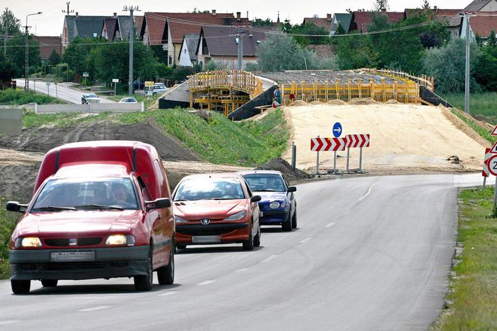 Továbbra is épülnek a gyorsforgalmi utak