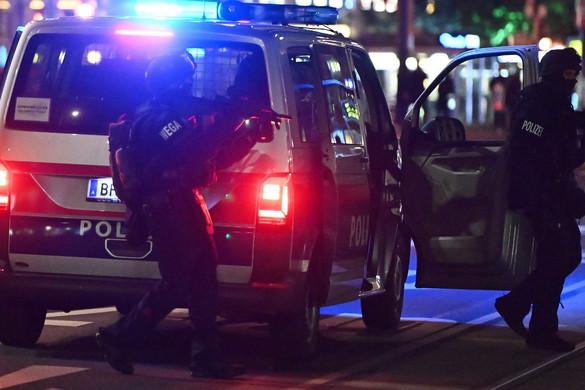 Négy ártatlan halt meg a bécsi terrorban
